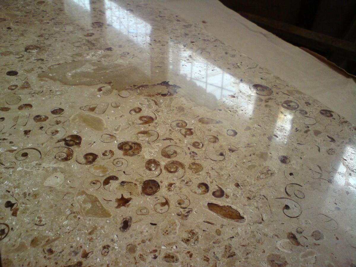 Плита полированная из натурального камня 300*400*40