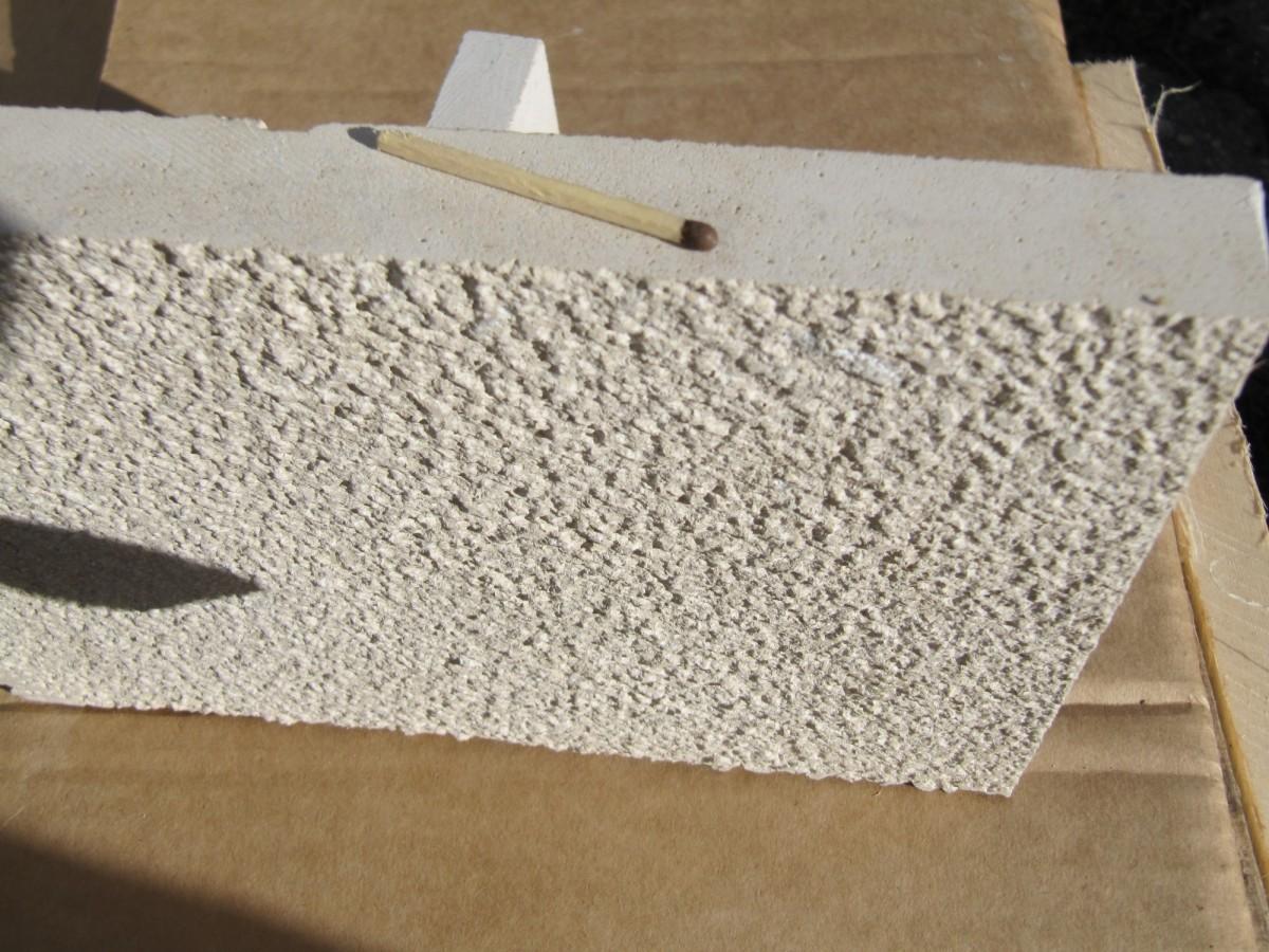 Плита бучардированная из Новосельского доломита.