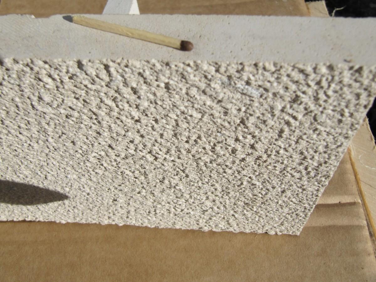 Плита бучардированная 300*400*30 - отделка фасада дома плитами
