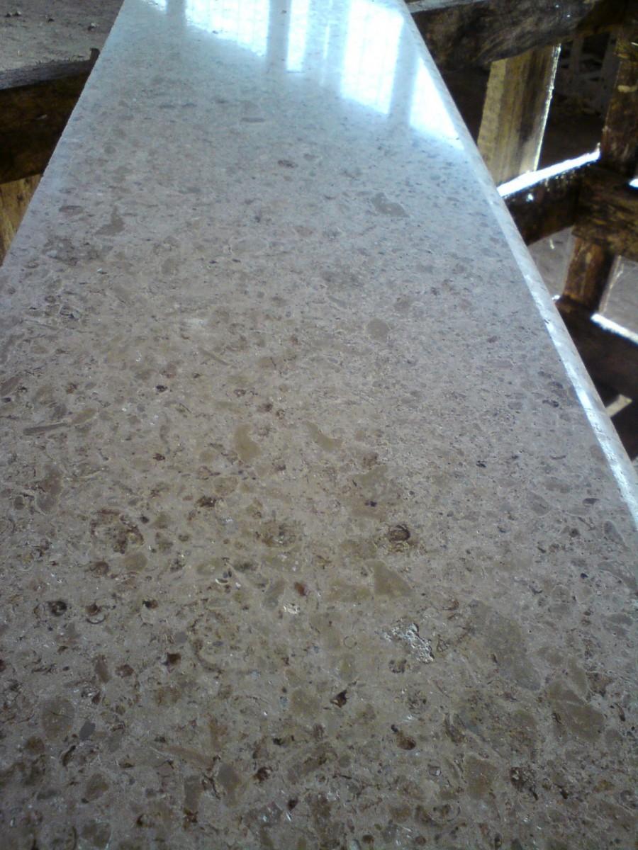 Плитка мерная полированная 300*300*20 - отделочный камень. Плита отделочная.